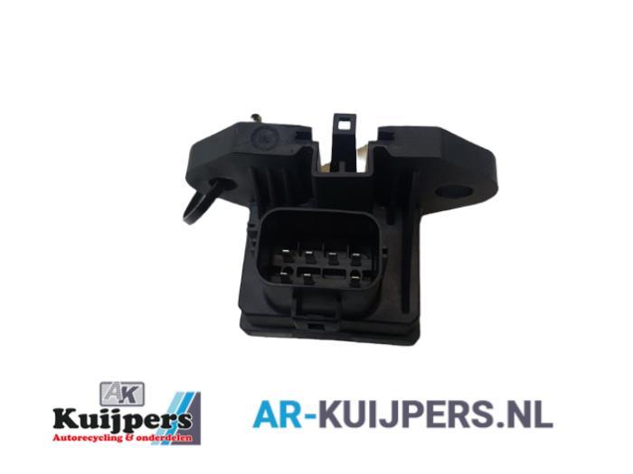 Brandstofpomp relais - Ford Focus