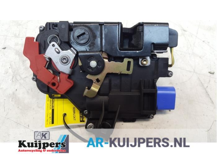 Deurslot Mechaniek 4Deurs rechts-achter - Volkswagen Touran
