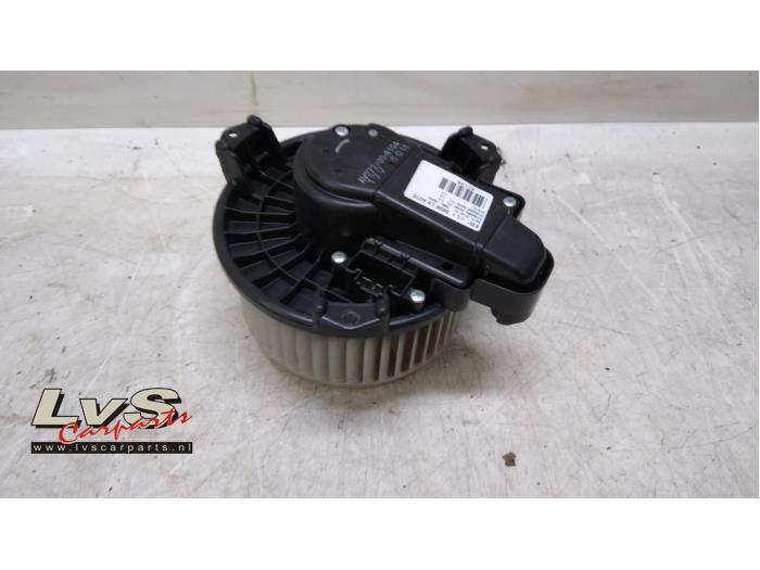 Toyota Auris Kachel Ventilatiemotor