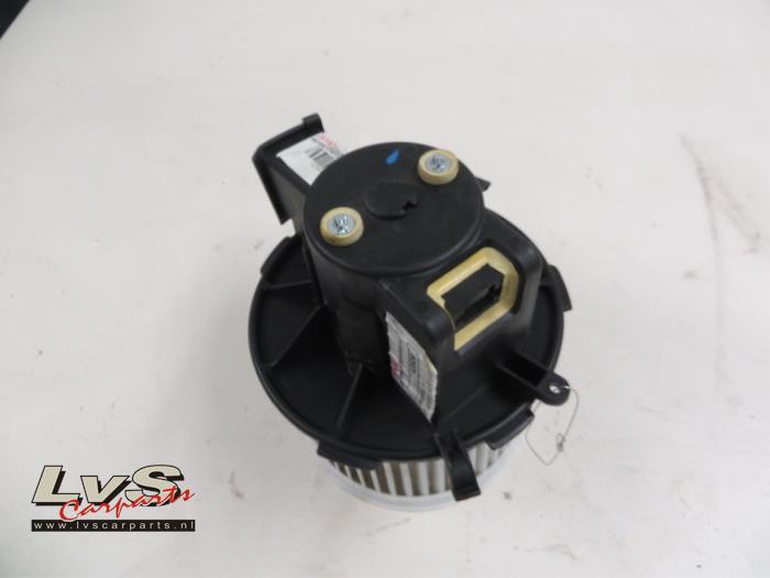 Fiat Panda Kachel Ventilatiemotor