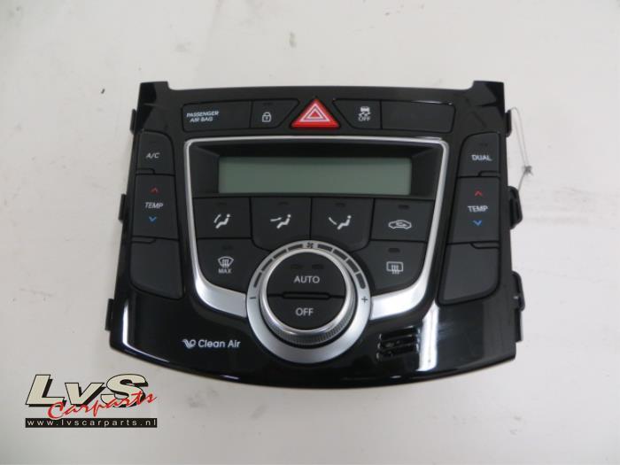 Hyundai I30 Airco bedieningspaneel