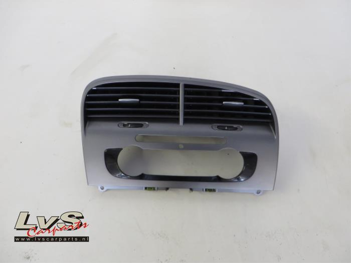 Seat Altea Luchtrooster Dashboard Lvs Carparts