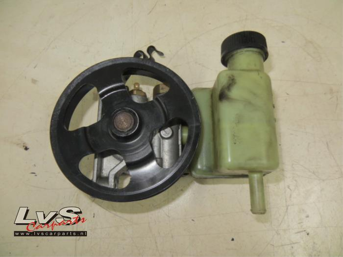 Mazda 6. Stuurbekrachtiging Pomp