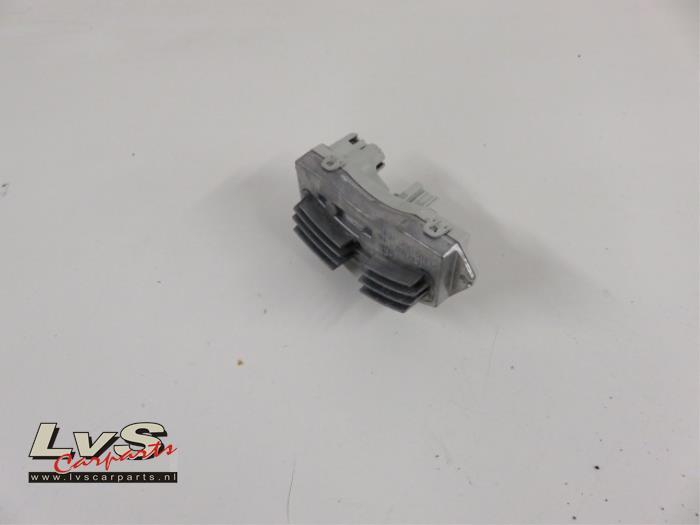 BMW 3-Serie Kachel Weerstand