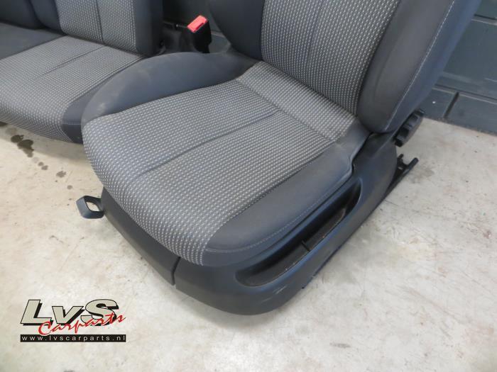 Gebruikte seat leon interieur bekledingsset lvs carparts for Interieur seat leon