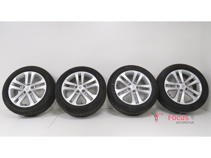 Set Of Wheels Tyres Focus Automotive