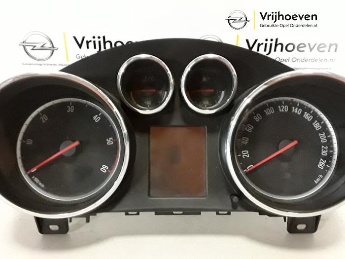 Cockpit van een Opel Astra J (PC6/PD6/PE6/PF6) 1.3 CDTI 16V EcoFlex 2010