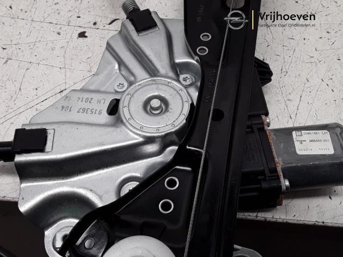 Ruitmechaniek 2Deurs links-voor van een Opel Astra J GTC (PD2/PF2) 1.6 SIDI Eco Turbo 16V 2014