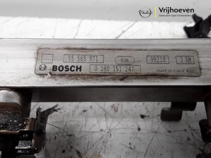 Verstuiver brug van een Opel Astra J (PC6/PD6/PE6/PF6) 1.4 Turbo 16V 2013
