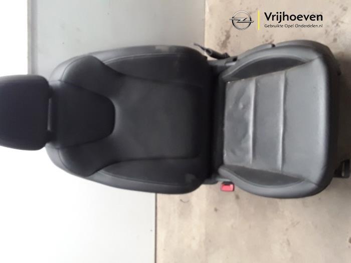 Voorstoel links van een Opel Astra K 1.6 CDTI 136 16V 2017