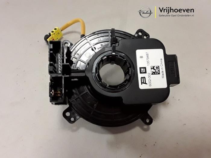 Gier sensor van een Opel Astra J Sports Tourer (PD8/PE8/PF8) 2.0 CDTI 16V 160 2011