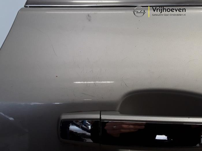 Deur 4Deurs rechts-achter van een Opel Astra J (PC6/PD6/PE6/PF6) 1.6 16V Ecotec 2013
