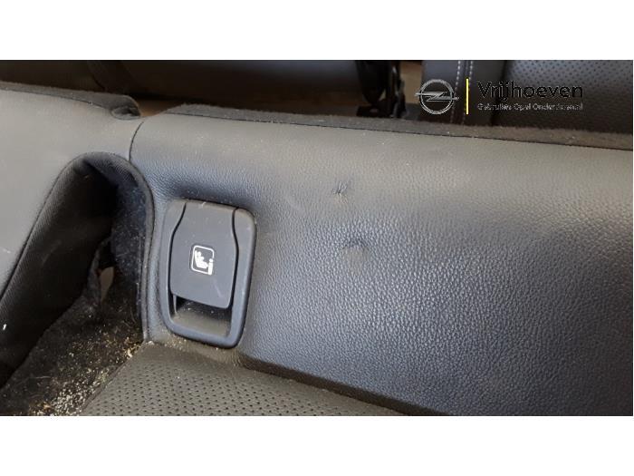 Bekleding Set (compleet) van een Opel Astra K 1.4 Turbo 16V 2016