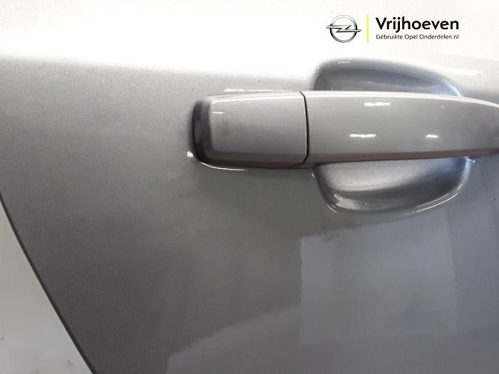 Portier 4Deurs rechts-achter van een Opel Astra J Sports Tourer (PD8/PE8/PF8) 1.4 16V ecoFLEX 2012