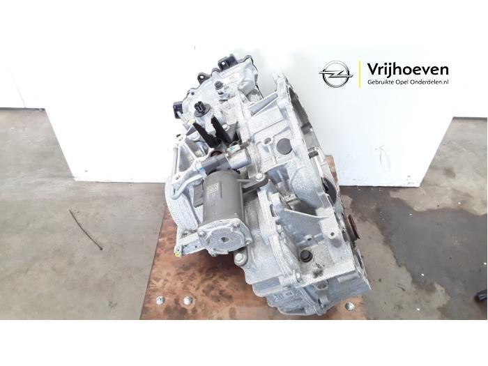 Automaatbak van een Opel Astra K 1.4 Turbo 16V 2017