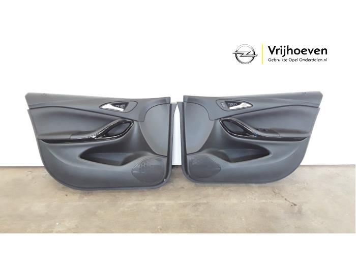 Bekleding Set (compleet) van een Opel Astra K Sports Tourer 1.4 16V 2017