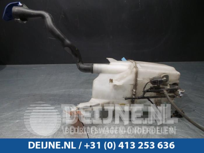 Ruitensproeiertank voor - Volvo V60