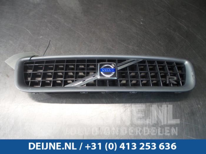 Grille - Volvo V70