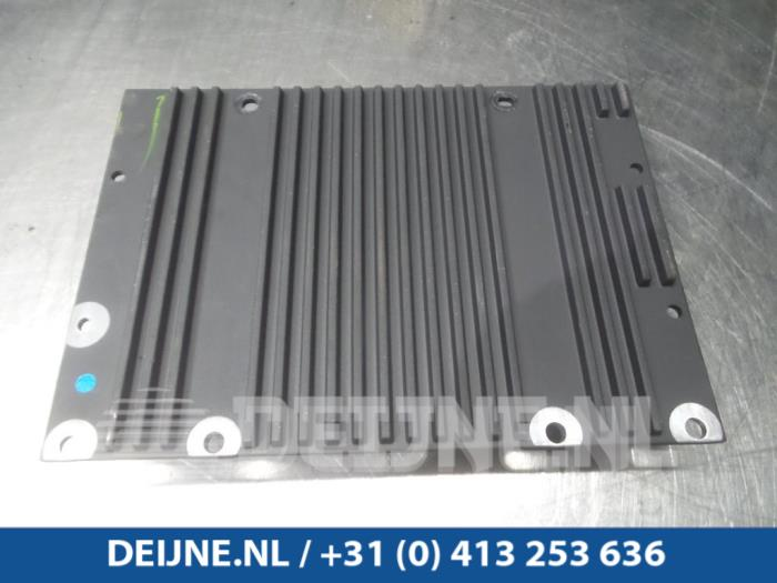 Radio versterker - Volvo S40