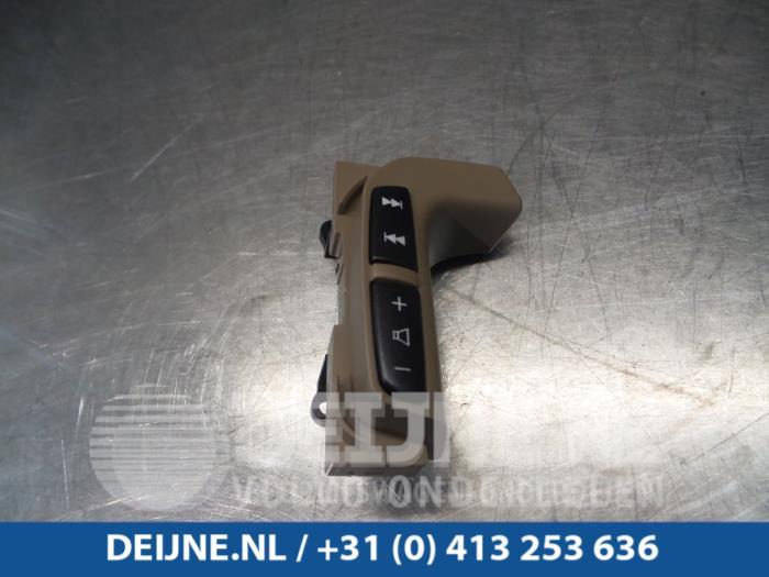 Radiobediening Stuur - Volvo V70