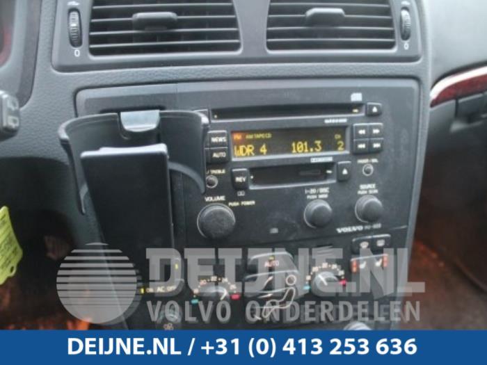 Radio van een Volvo V70 2003