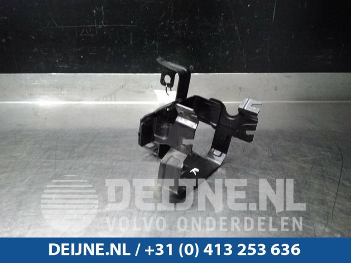 Steun stuurbekrachtigingspomp - Volvo V60