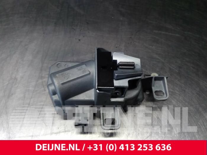 Elektronisch kontaktslot - Volvo V40