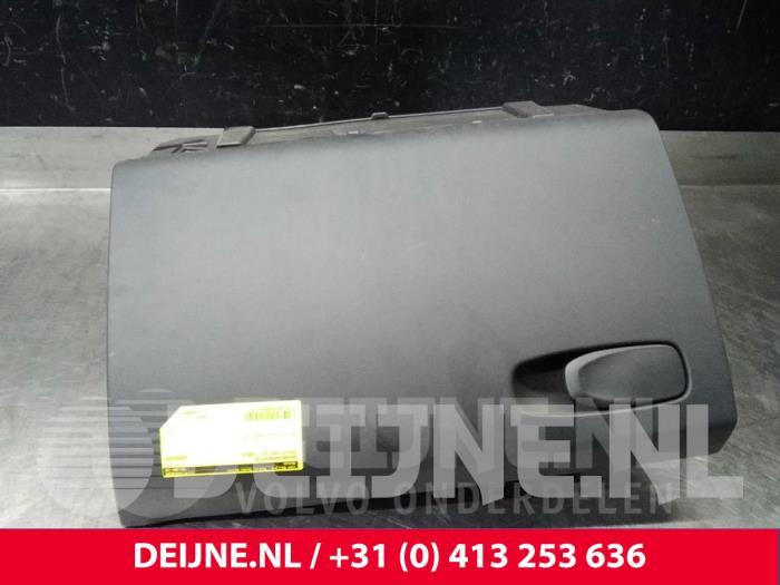 Dashboardkastje - Volvo V40