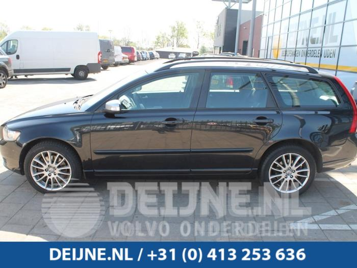 Zijskirt links - Volvo V50