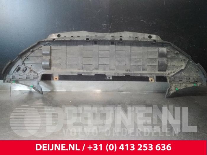 Bumper onderplaat - Volvo V90