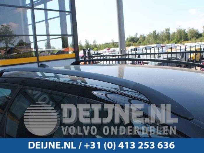 Dakrail links - Volvo V50