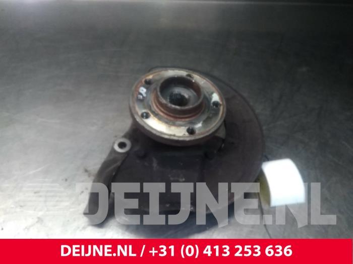 Fusee links-voor - Volvo 850