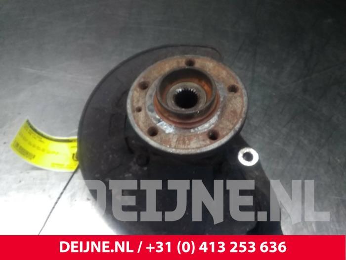 Fusee rechts-voor - Volvo 850