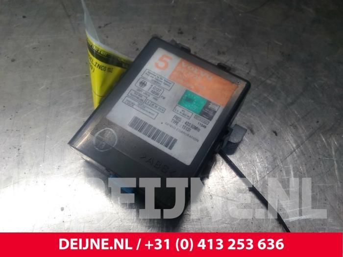 Centrale Deurvergrendelings Module - Volvo V70/S70