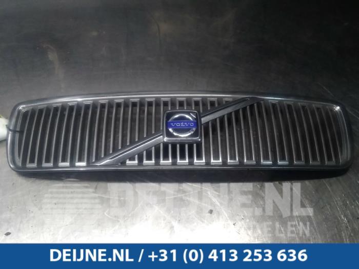 Grille - Volvo V70/S70