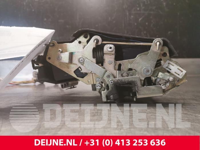 Deurslot Mechaniek 4Deurs rechts-voor - Volvo 850