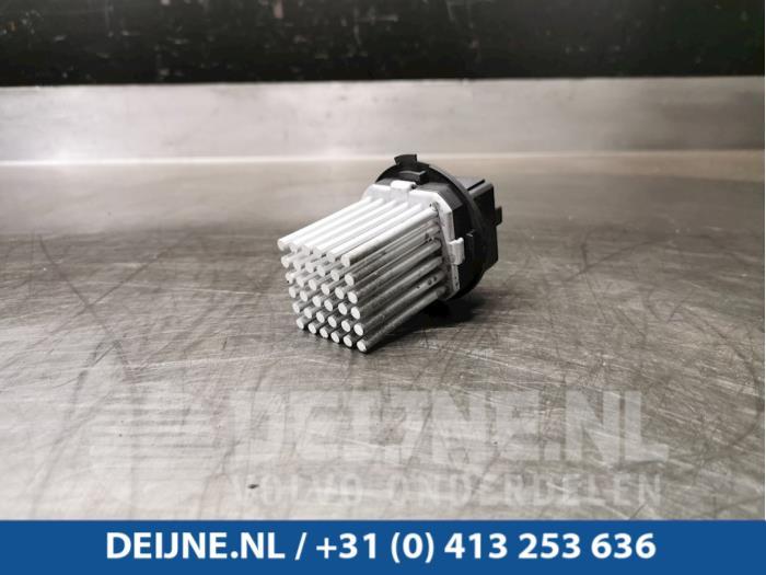 Kachel Weerstand - Volvo V60