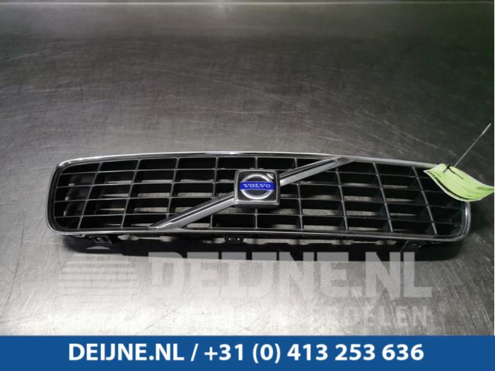 Grille - Volvo S60