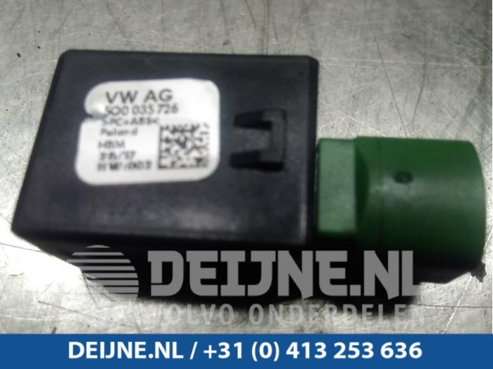 AUX/USB aansluiting - Volkswagen Polo