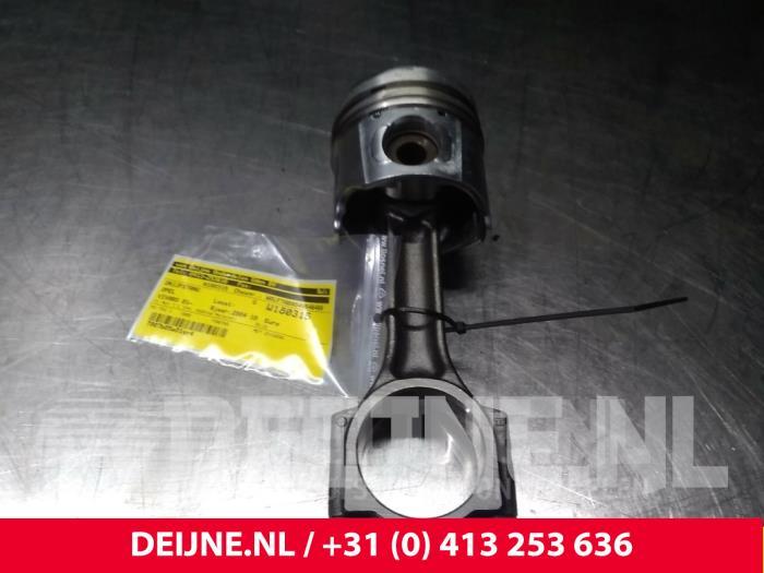 Drijfstang - Opel Vivaro
