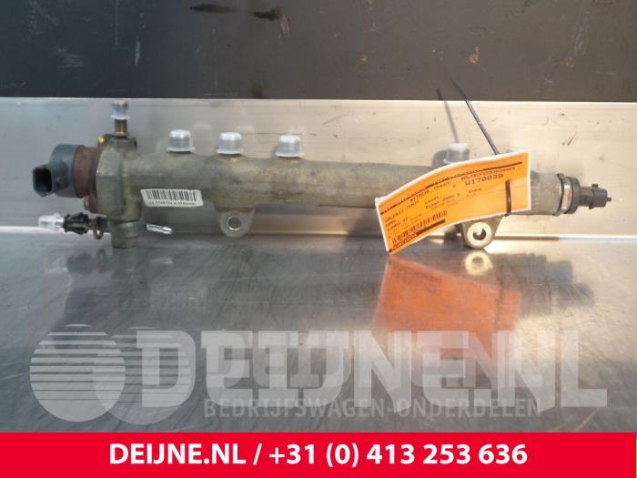 Galerij (Injectie) - Opel Combo