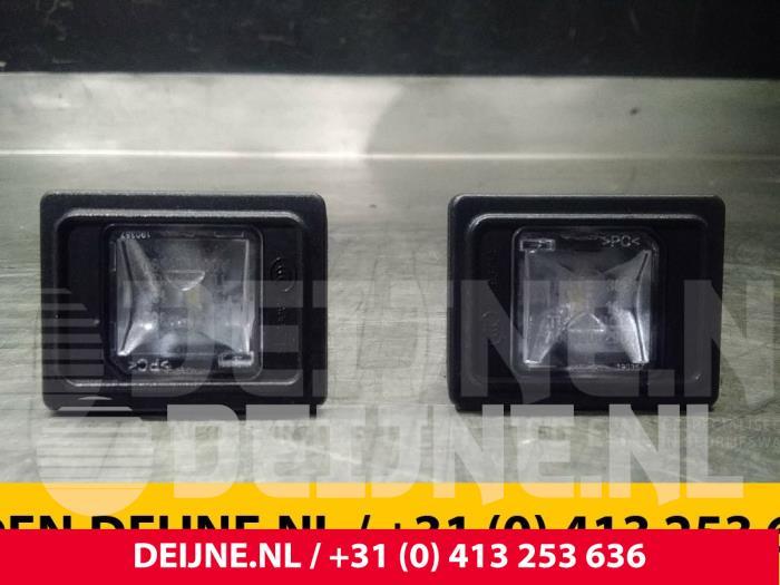 Kenteken Verlichting - Mercedes C-Klasse