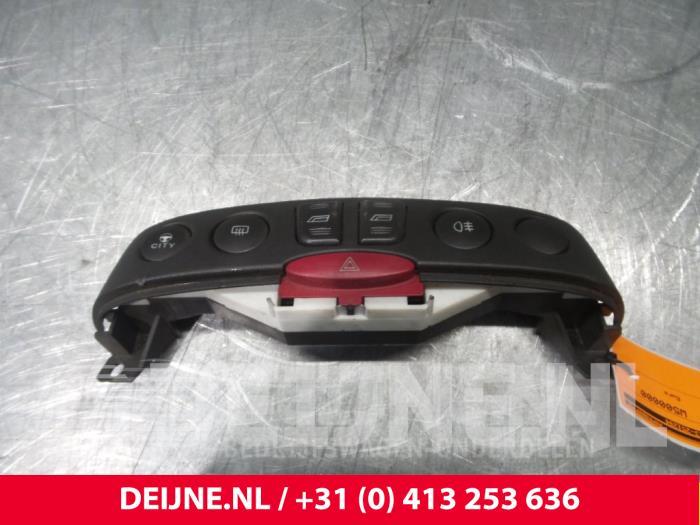 Paniekverlichtings Schakelaar - Fiat Punto