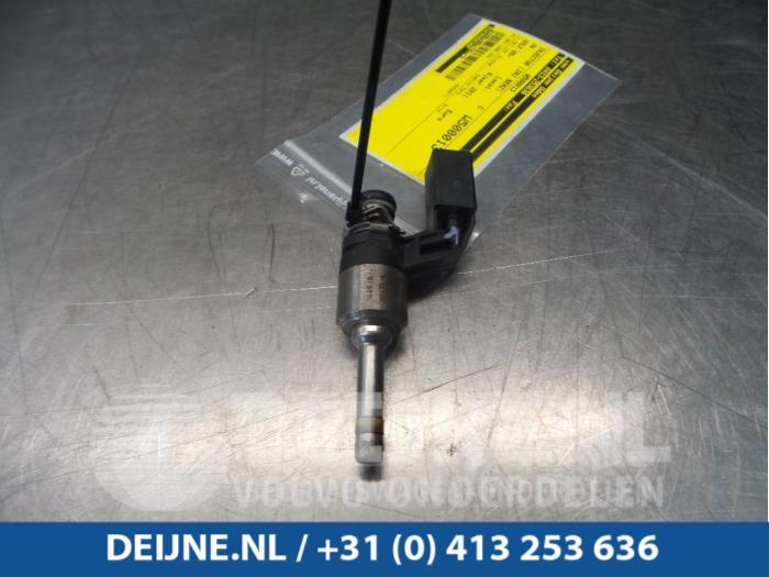 Injector (benzine injectie) - Volkswagen Golf
