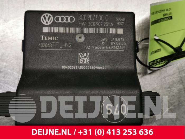 Gateway module - Volkswagen Passat