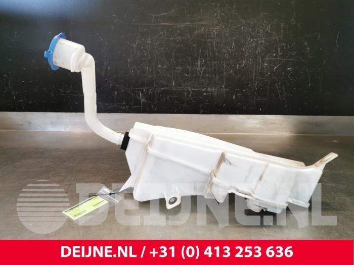 Ruitensproeiertank voor - Volvo S90