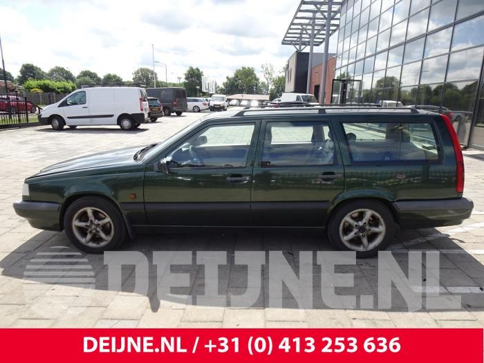 Zijskirt links - Volvo 850