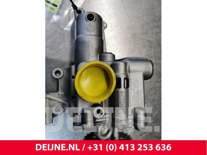 Oliepomp - Volvo V70