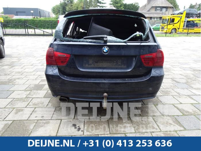 Achterlichtrand links - BMW 3-Serie