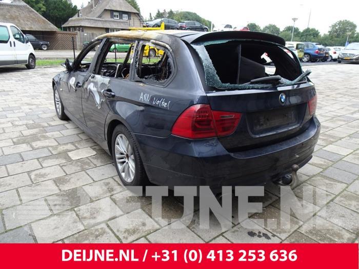 Achterlichtrand rechts - BMW 3-Serie